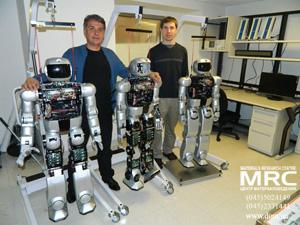 А.Г.Гогоци в лаборатории, ознакомление с роботами HUBO