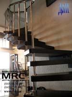 Лестница для дома из полированной нержавеющей стали с дубовыми ступенями