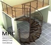Винтовая лестница со стеклянной оградой