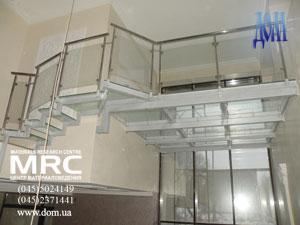 Установка стеклянного пола (высота 4,6м )