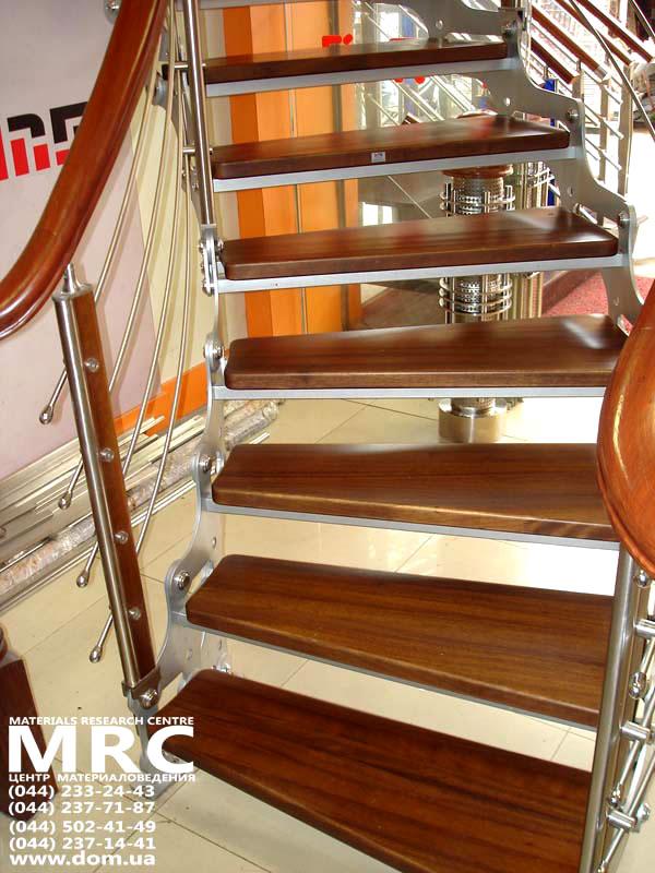 Отделка лестницы ковролином, ковровыми накладками
