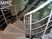 Металлические ступени и ограждение спиральной лестницы
