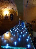 Светящяяся стеклянная барная стойка