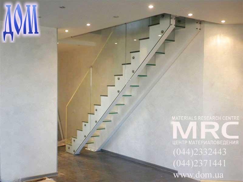 Лестница для дома: стеклянные ступени из прозрачного каленого триплекса