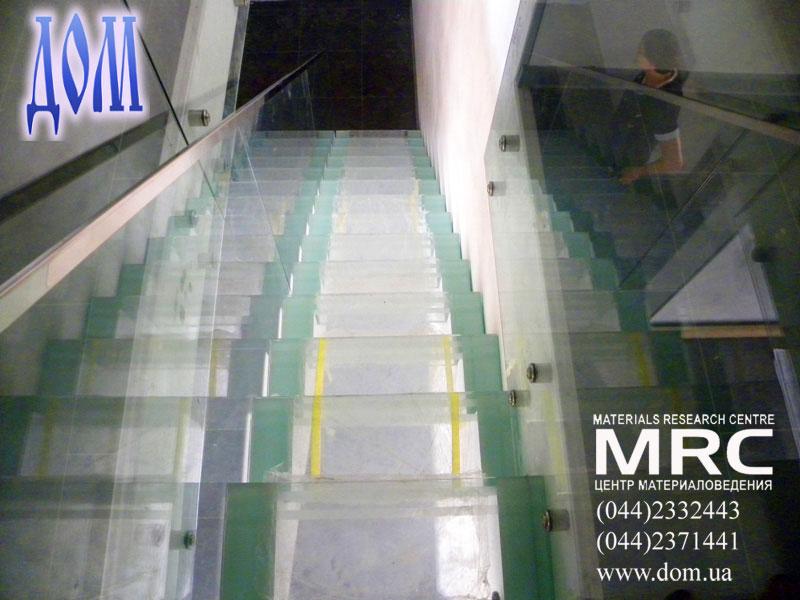 стеклодержатели стеклянных панелей ограждений из стали