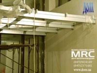 Монтаж металлоконструкции для стеклопола