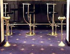 стулья и пепельницы для баров, ресторанов