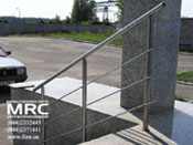 Ограждение лестницы из полированной нержавеющей стали