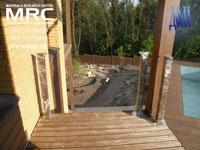 Деревянное ограждение балконов, стойки, монтаж