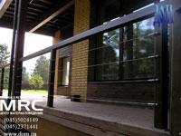 Ограждение террасы с дубовыми стойками, деталировка из нержавеющей стали- монтаж