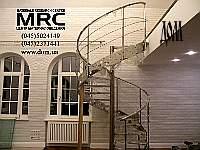 монтаж, винтовая лестница из нержавеющей стали, вид справа