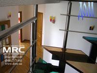 Вид поворота лестницы в квартире