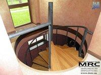 Форма дубовых ступеней для компактной винтовой лестницы