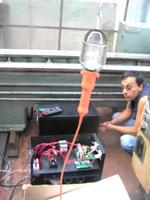 к системе ветрогенератора в качестве нагрузки подлючена лампочка