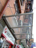 Light transparent canopy with metalic framework